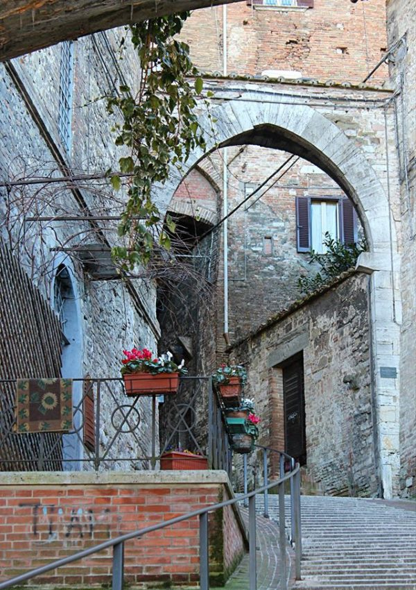 arch medieval street of perugia